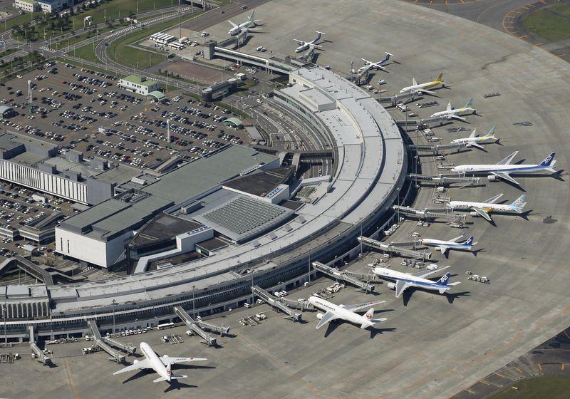 日本北海道新千歲機場重新開放,中華航空及長榮航空7日宣布,8日飛札幌航班恢復正常。(檔案照片/共同社提供)