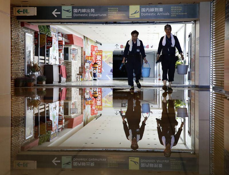 日本北海道6日凌晨觀測到規模6.7強震,暫時關閉的新千歲機場因電力已恢復,朝7日重啟的方向努力。圖為新千歲機場一景。(共同社提供)