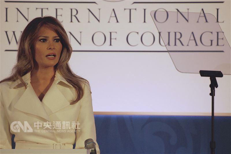 美國第一夫人梅蘭妮亞聲明痛批匿名投書是破壞國家。(中央社檔案照片)