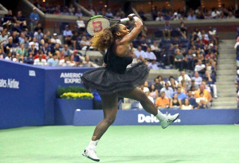 小威廉絲(圖)在美國網球公開賽決賽發飆、怒指主審的懲處男女有別,引發兩極看法。(圖取自美網官方推特twitter.com/usopen)