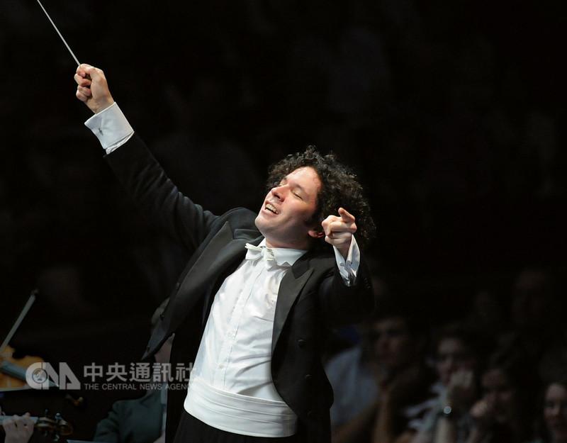 國際知名指揮家杜達美(Gustavo Dudamel)將率柏林愛樂交響樂團來台,11月分別在台北、高雄演出,讓台灣樂迷大飽耳福。(牛耳藝術提供)中央社記者鄭景雯傳真 107年9月13日
