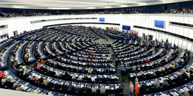歐洲議會12日在位於法國史特拉斯堡的總部舉行全會,通過「歐中關係」報告批評中國日趨獨裁、升高兩岸緊張,呼籲歐盟及會員國全力遏止中國軍事挑釁台灣。(圖取自歐洲議會推特twitter.com/Europarl_EN)