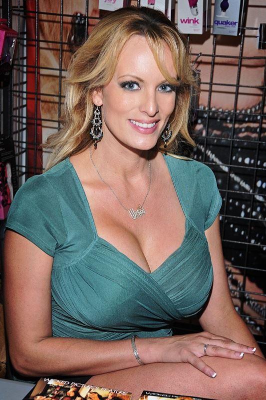 美國豔星「暴風女丹尼爾斯」表示,將出版自傳詳述她所聲稱,跟美國總統川普的婚外情。(圖取自維基共享資源;作者為Toglenn,CC BY-SA 4.0)
