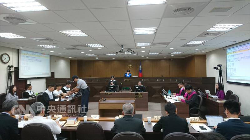 台北地方法院14日上午舉行第二輪「國民參與刑事審判模擬法庭」活動,進行準備程序庭。中央社記者王揚宇攝 107年9月14日