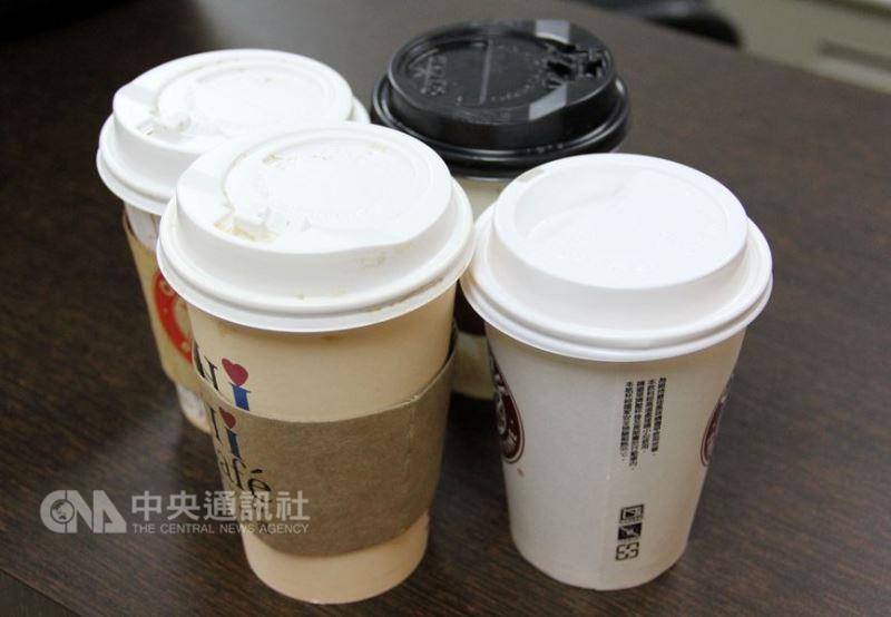 台灣每年有約新台幣400億的現煮咖啡市場,其中以超商的競爭最激烈。(中央社檔案照片)