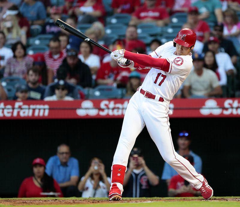 效力洛杉磯天使隊的日本選手大谷翔平,15日敲出本季第20支全壘打。(共同社提供)