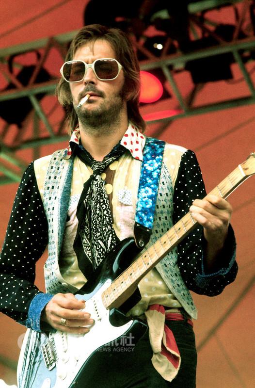 紀錄片「艾瑞克克萊普頓:藍調天堂路」道出樂壇「吉他之神」艾瑞克克萊普頓(Eric Clapton)一路走來隱而未宣的心路歷程,16日將在台上映,同時也是亞洲首映。(翻面映畫提供)中央社記者鄭景雯傳真 107年11月7日