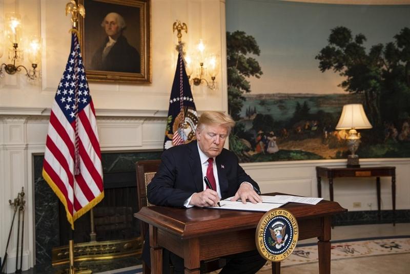 川普政府8日公布嚴格限制移民提出庇護申請的新規定,禁止非法跨越美墨邊界入境者尋求庇護。(圖取自twitter.com/whitehouse)