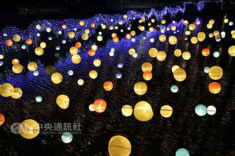 2019月津港燈節將於2月2日在台南市鹽水區登場,已有部分作品完成試燈。(台南市文化局提供)中央社記者楊思瑞台南傳真 108年1月22日