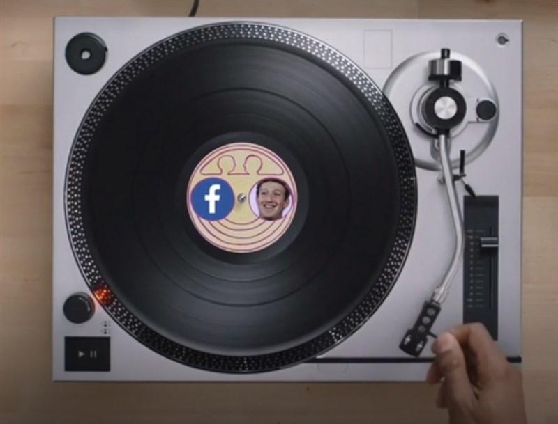 紐約時報利用臉書友誼紀念日影片慶祝臉書4日滿15歲,卻在影片中大酸臉書執行長祖克柏。(圖取自twitter.com/nytopinion)
