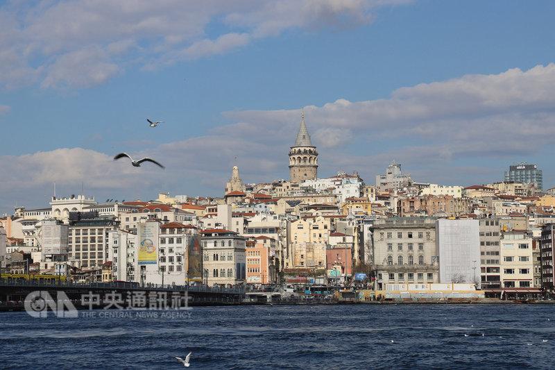 土耳其將在第一大城伊斯坦堡新建包含大型歌劇院的阿塔圖克文化中心,兩年內完工後可望成為當地觀光亮點。圖為伊斯坦堡加拉達區(Galata)遠眺。中央社記者何宏儒伊斯坦堡攝 108年2月11日