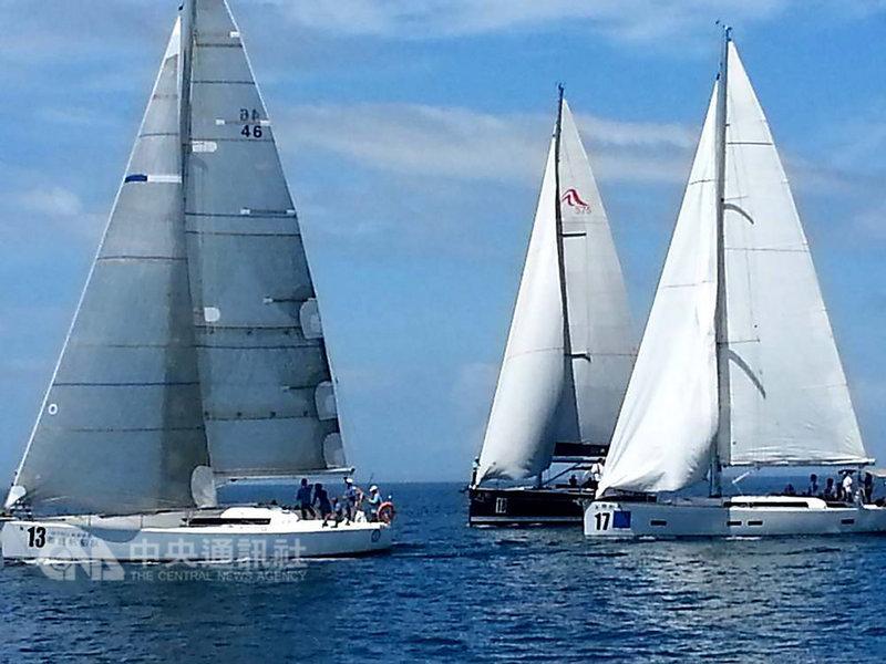 停辦3年的海峽盃重型帆船賽今年6月16日將恢復舉辦,第7屆賽事規劃在廈門、澎湖海域進行。圖為104年6月間賽事盛況。(資料照片)中央社 108年2月12日