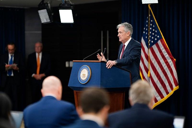 美國聯邦準備理事會20日公布的會議紀錄顯示,聯準會認為美國今年經濟成長將比去年減退。圖為聯準會主席鮑爾。(圖取自twitter.com/federalreserve)
