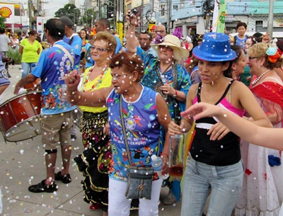 巴西文化豐富、友善,學習基本的葡萄牙語,是表示對巴西文化的尊重。