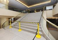 晶華酒店宴會廳往大廳階梯暫封鎖