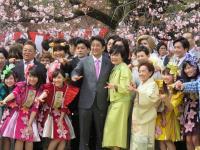 朝鮮半島局勢緊張 安倍如期辦賞櫻會