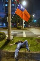 反年金改革夜宿圍城