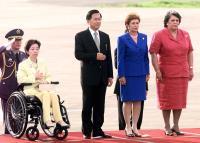 2001年5月 巴拿馬總統隆重歡迎陳總統