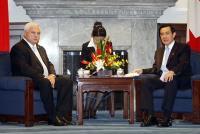 2010年10月 馬總統與巴拿馬總統會談