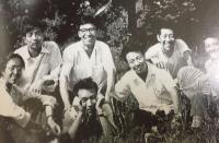劉曉波與詩社好友合影