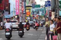 西門町紅綠燈停電 警方指揮交通(3)