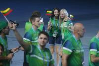 世大運立陶宛代表團進場 場內開心合影
