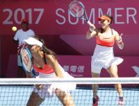 世大運網球 詹家姐妹前進女雙4強