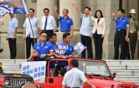 台灣英雄大遊行 總統揮手致意