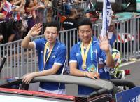 台灣英雄大遊行 王子維接受民眾喝采