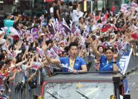 台灣英雄大遊行 李智凱接受民眾喝采(1)
