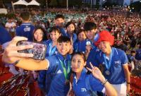 歡迎台灣英雄 世大運選手自拍留念(2)