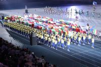 台北世大運閉幕 各國代表團旗幟進場