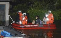 颱風泰利襲日 消防員出動救災