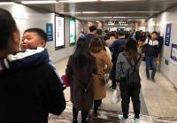 19大在即 北京地鐵人物同檢