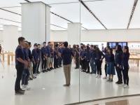 iPhone X開賣 直營店開門前先演練