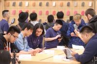 民眾購買iPhone X(2)
