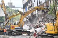統帥大飯店開始拆除(1)