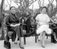 蔣宋美齡與陳香梅出席陳納德銅像揭幕