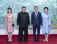 兩韓峰會落幕 南北韓總統伉儷會後合影