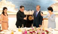 兩韓第一家庭晚宴敬酒