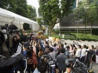 金正恩抵新加坡 民眾飯店外圍觀搶拍