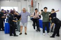 川金會媒體中心開放 記者安檢領採訪證
