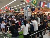颱風進逼台灣 賣場現採買人潮