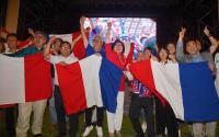 世足法國摘冠 紀博偉開心與民眾歡慶