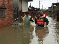 豪雨釀災 國軍協助民眾撤離
