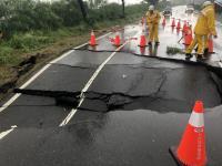 台26線竹坑路段南下外側車道路基塌陷(1)