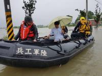 嘉義遭雨彈狂襲淹水 國軍支援居民撤離(2)