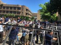 不滿促轉會  藍委翻牆進政院找賴揆