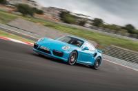 Porsche 911 為操駕表現放棄衍生油電混和動力