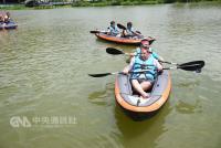南投運動觀光嘉年華  划獨木舟慶端午